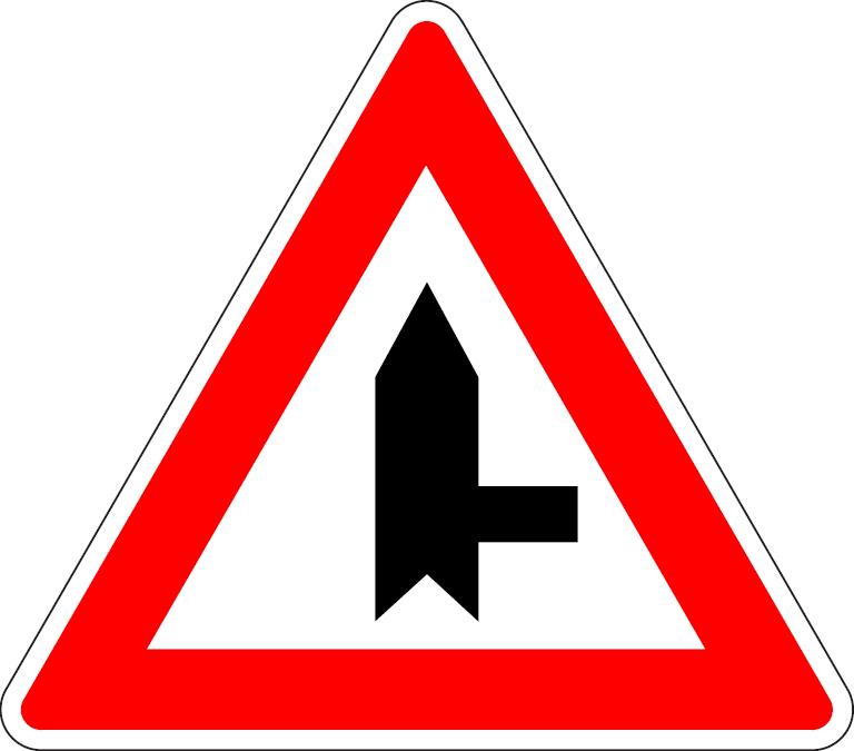 Križovatka s vedľajšou cestou (vpravo)