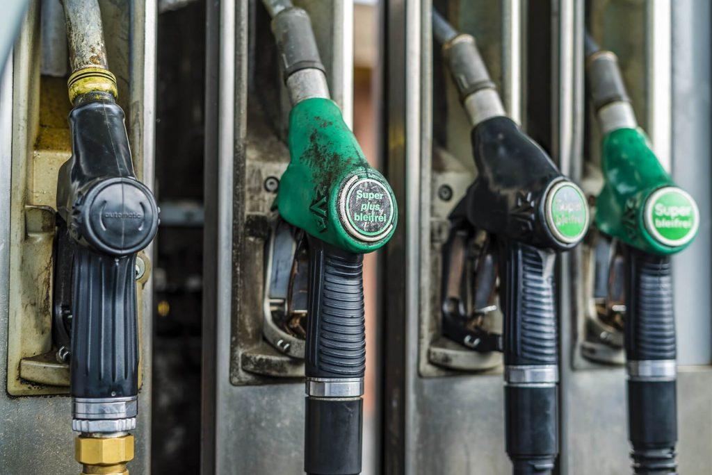 benzín e10