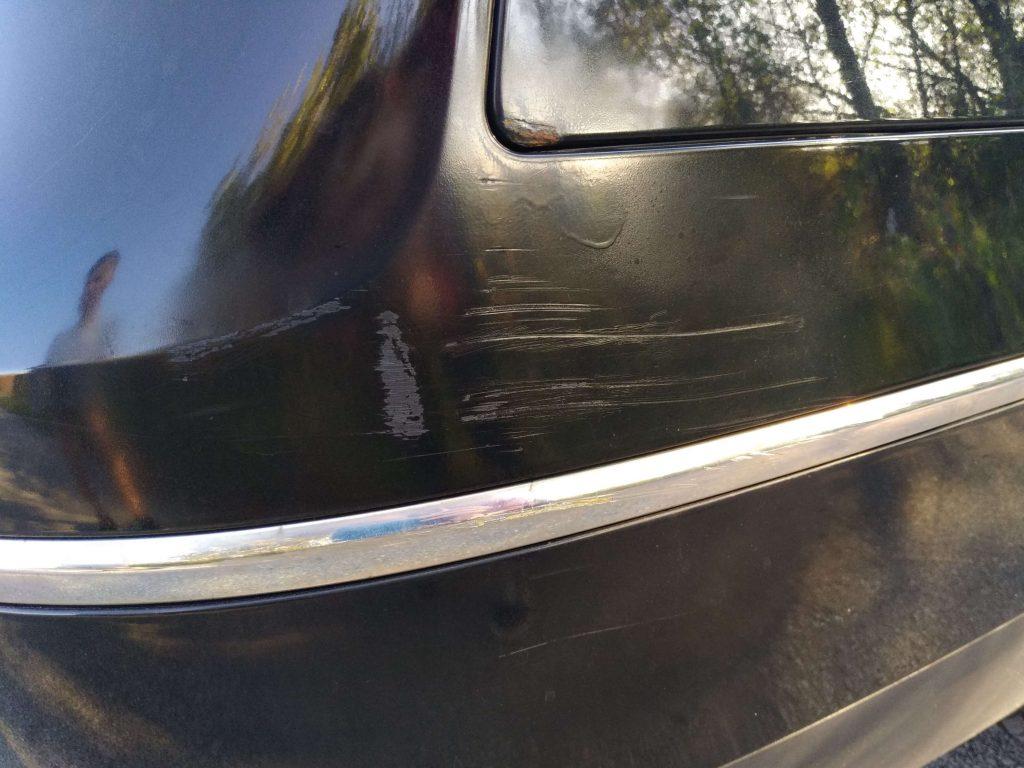 škrabance na aute